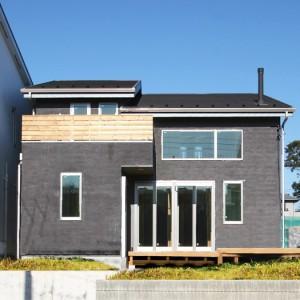 高原のコテージのような無垢デザイナーズ住宅