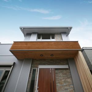 無垢材を豊富に使った広い土間がある注文住宅