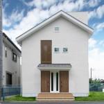 自然素材溢れる納得間取りの分離型二世帯住宅