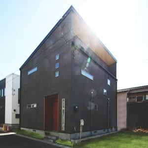 自然光が入る明るい室内設計の一級建築士の家