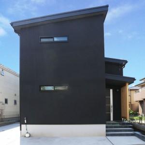 蔵のような便利収納。黒を追求した和モダン注文住宅